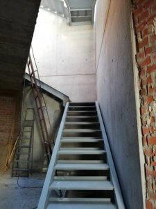 escalera vivienda unifamiliar - Hogar Arquitectura
