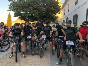 equipo ciclista HogarArquitectura
